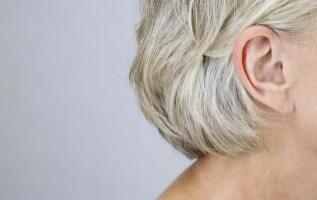 """""""耳背""""全因年纪大还可能是肿瘤找上门"""