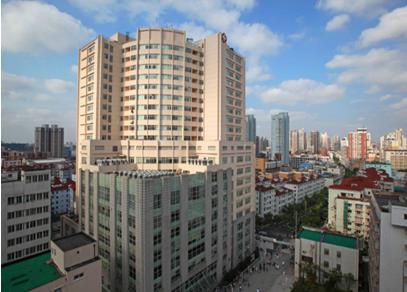 【上海第九人民医院眼科】:想通过眼药水治好白内障?别做梦了