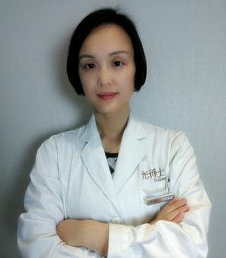 重庆光博士易东菊皮肤科医生好吗