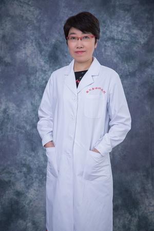 玻璃体视网膜疾病学科主任常青