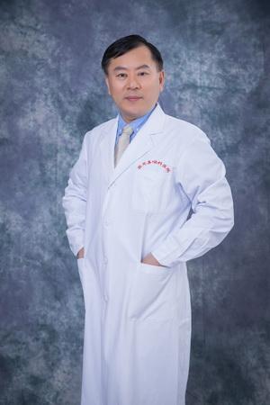 白内障与晶状体疾病学科主任卢奕