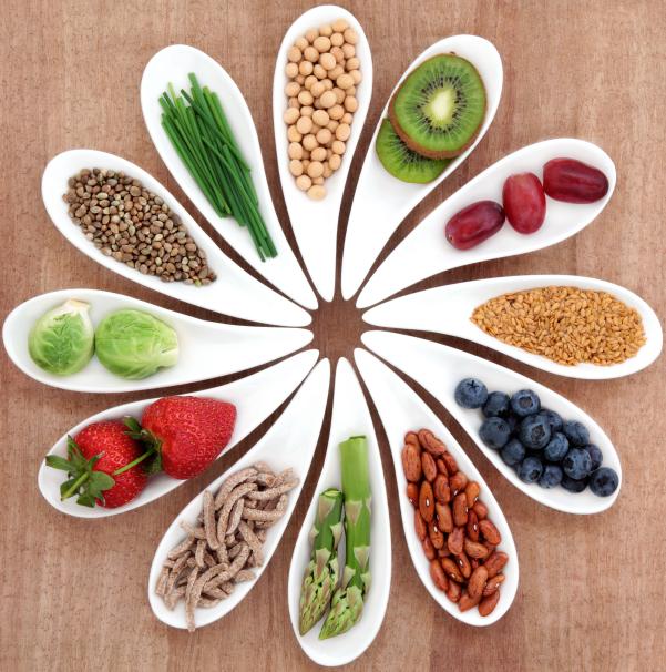 远离癌症多吃全谷类食物,经常吃4种食物可以预防结肠癌!