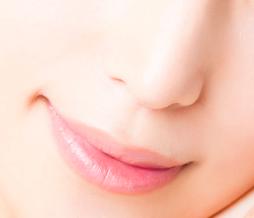 鼻梁矫正的方法有哪些?为什么鼻梁会歪?