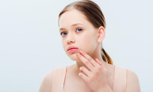 割完双眼皮能吃西瓜吗?双眼皮术后一定要注意护理!