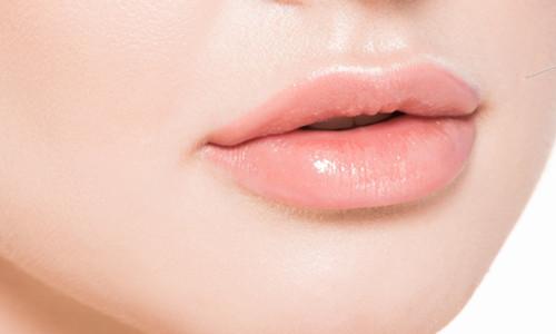 玻尿酸丰唇的价格是多少?玻尿酸丰唇的优缺点有哪些?