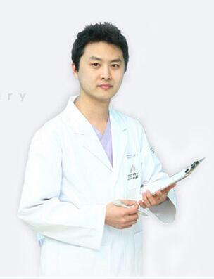 洪政秀院长(韩国)