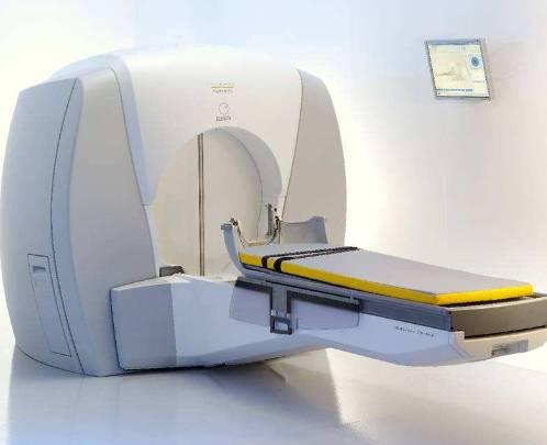 伽马刀治疗是如何确定照射的焦点肯定在肿瘤上?